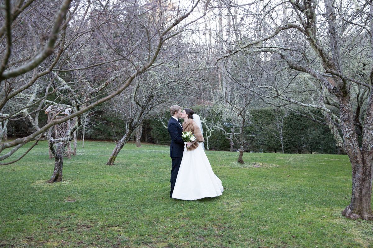 0038_Old-Edwards-Inn-Highlands-NC-Winter-Wedding