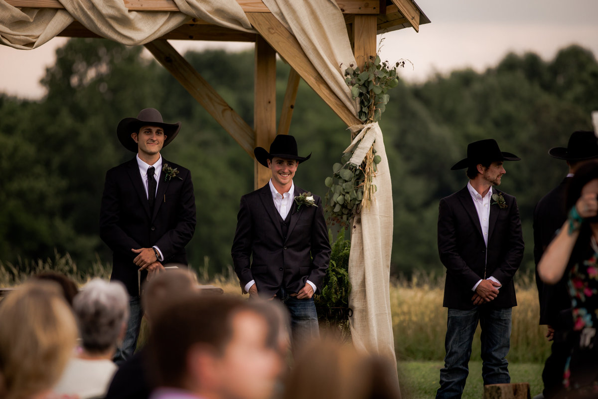 Nsshville Bride - Nashville Brides - The Hayloft Weddings - Tennessee Brides - Kentucky Brides - Southern Brides - Cowboys Wife - Cowboys Bride - Ranch Weddings - Cowboys and Belles081