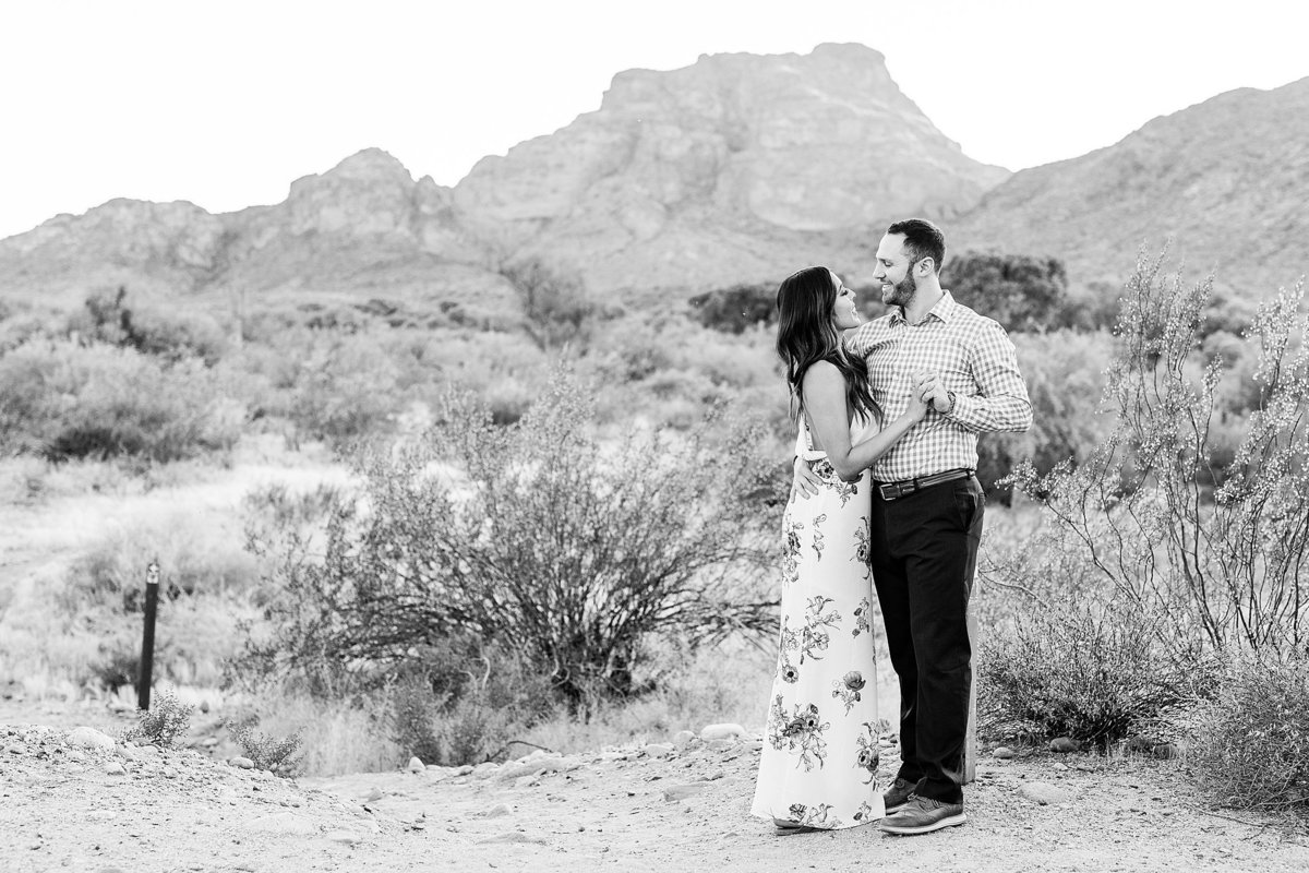 Celina + Colton - Engagement - Salt River Engagement Session-153_Lunabear Studios Portfolio