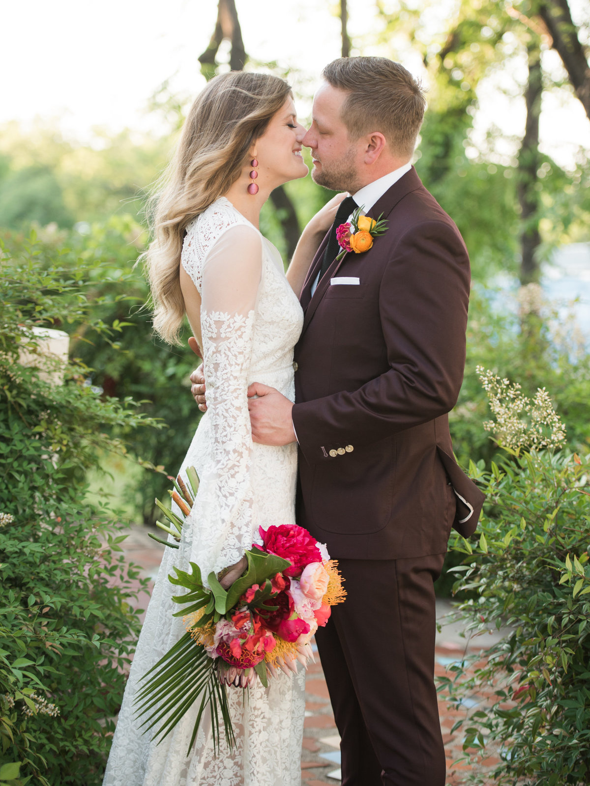 Courtney Hanson Photography - Vintage Tropical Wedding at The Belmont Hotel in Dallas-0626