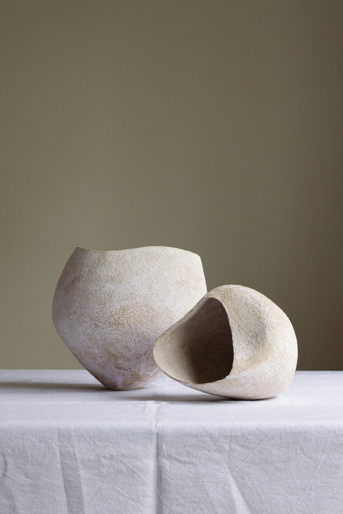 Yasha-Butler-Ceramic-Lithic-Vessel-Bowl-Sculpture-White-5091-3500px