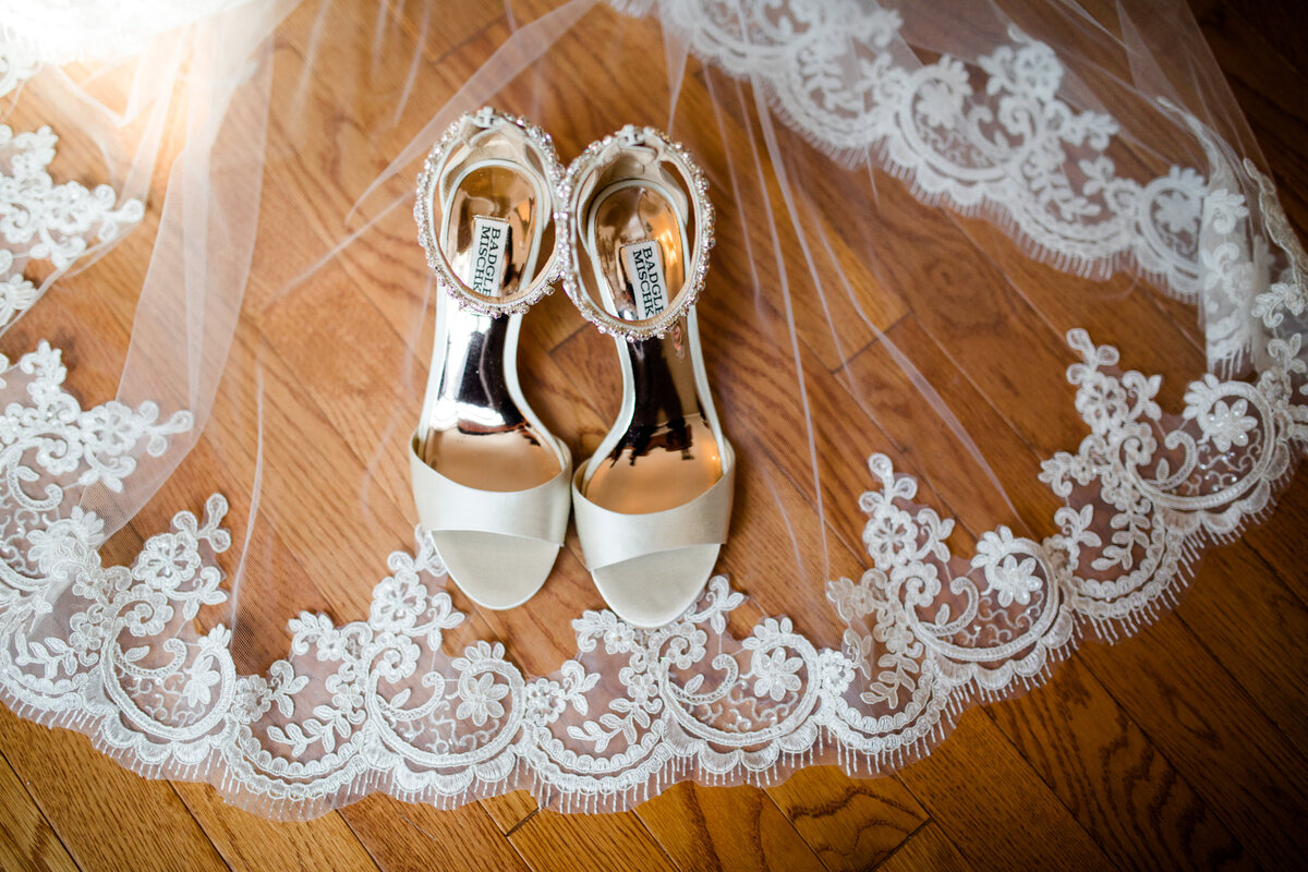 Amanda Souders West Shore Country Club Wedding Photographer-16