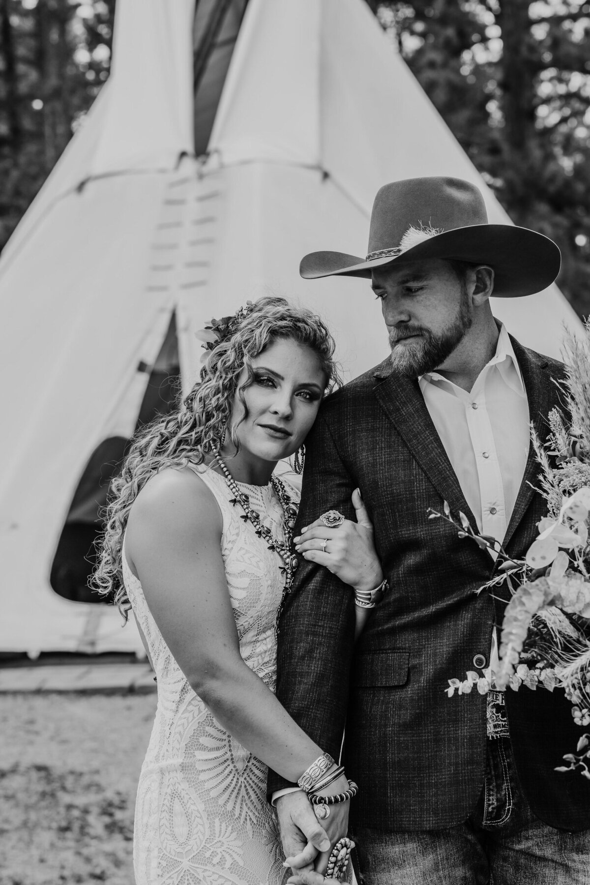 younger-ranch-wedding-Native-Roaming-Photography-27
