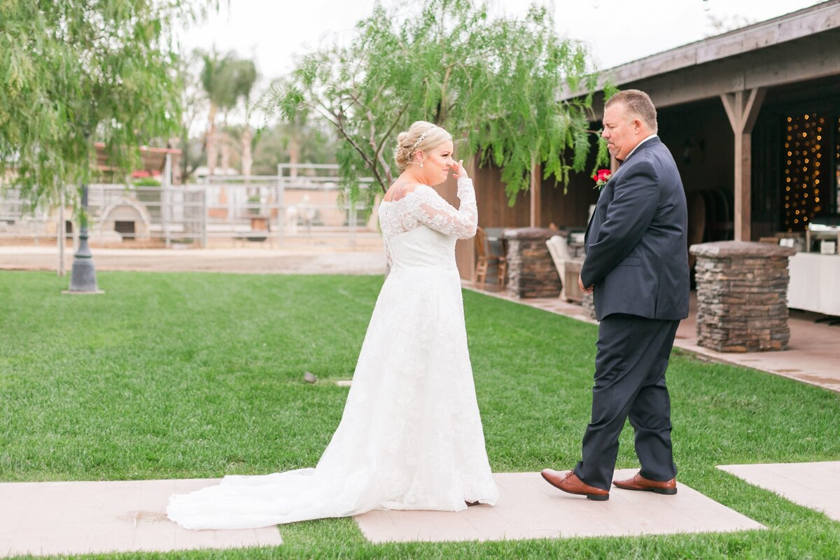 Kelli-Bee-Photography-Gallery-Farm-Southern-CA-Norco-Rustic-Wedding-Luxury-Lifestyle-Photographer-Lauren-Ben-0017