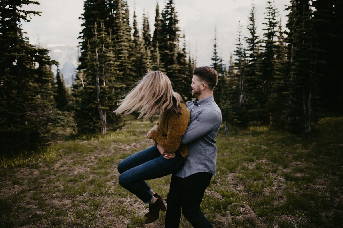 Marnie_Cornell_Photography_Engagement_Mount_Rainier_RK-128