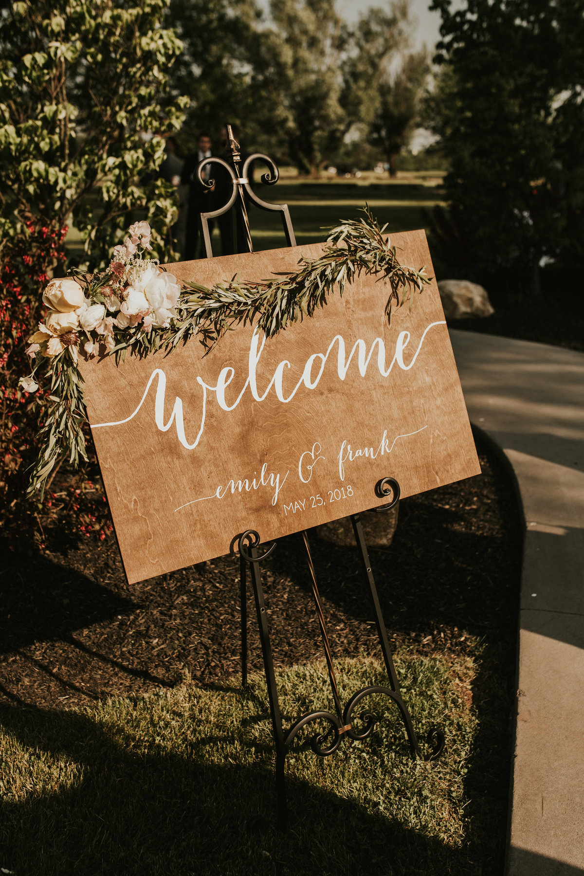 welcome sign spring wedding
