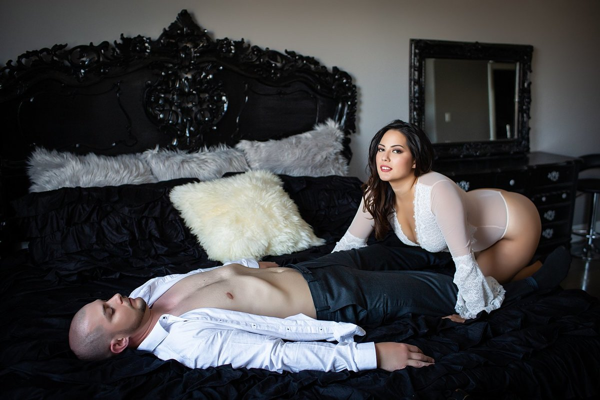Hampton Roads Virginia Couples Boudoir Photographer (42)