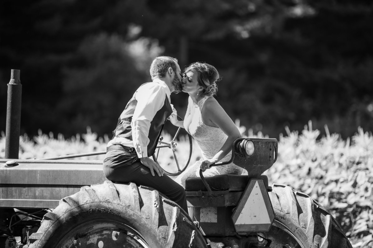 Redway-California-wedding-photographer-Parky's-PicsPhotography-Humboldt-County-Photograper-rustic-country-wedding-21.jpg