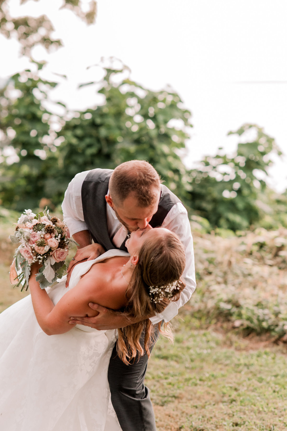 sharonelizabethphotography-surryvirginiawedding-rusticbackyardwedding-richmondvirginiaoutdoorwedding0128