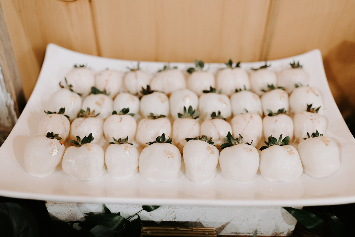 tucannon-cellars-benton-city-washington-wedding-lindsey-oscar127
