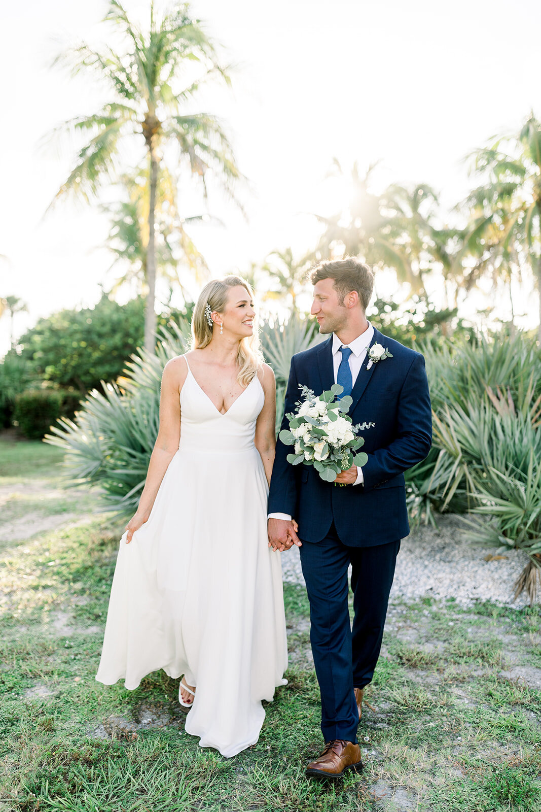 alex-mike-bowditch-beach-fort-myers-wedding-photos-1140