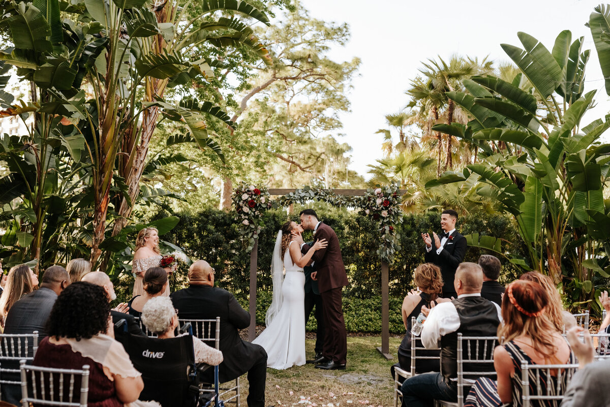 Noelle-Joe-Tampa-Garden-Club-Wedding-Photography-by-V--0596