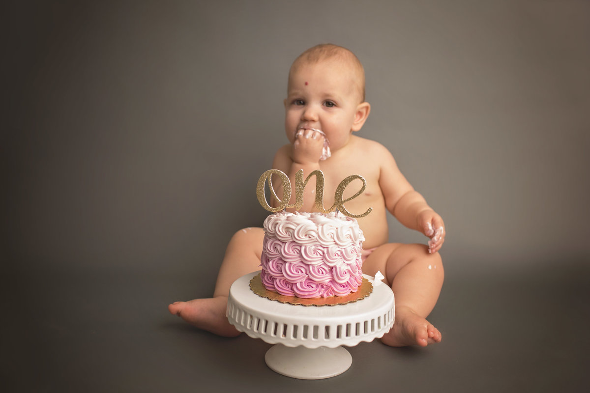 mainline newborn photographer 3
