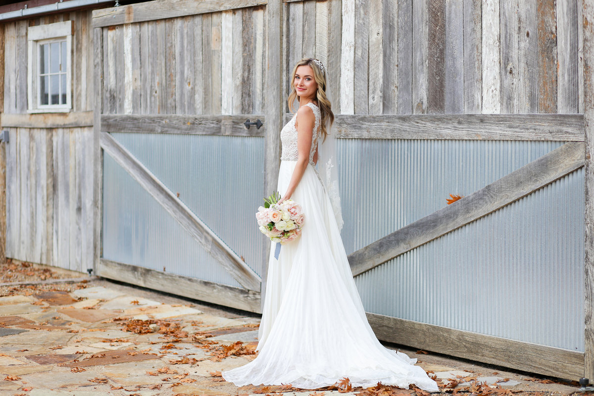 Barn Wedding Kansas - Barn at Riverbend - Wedding Photography Kansas City