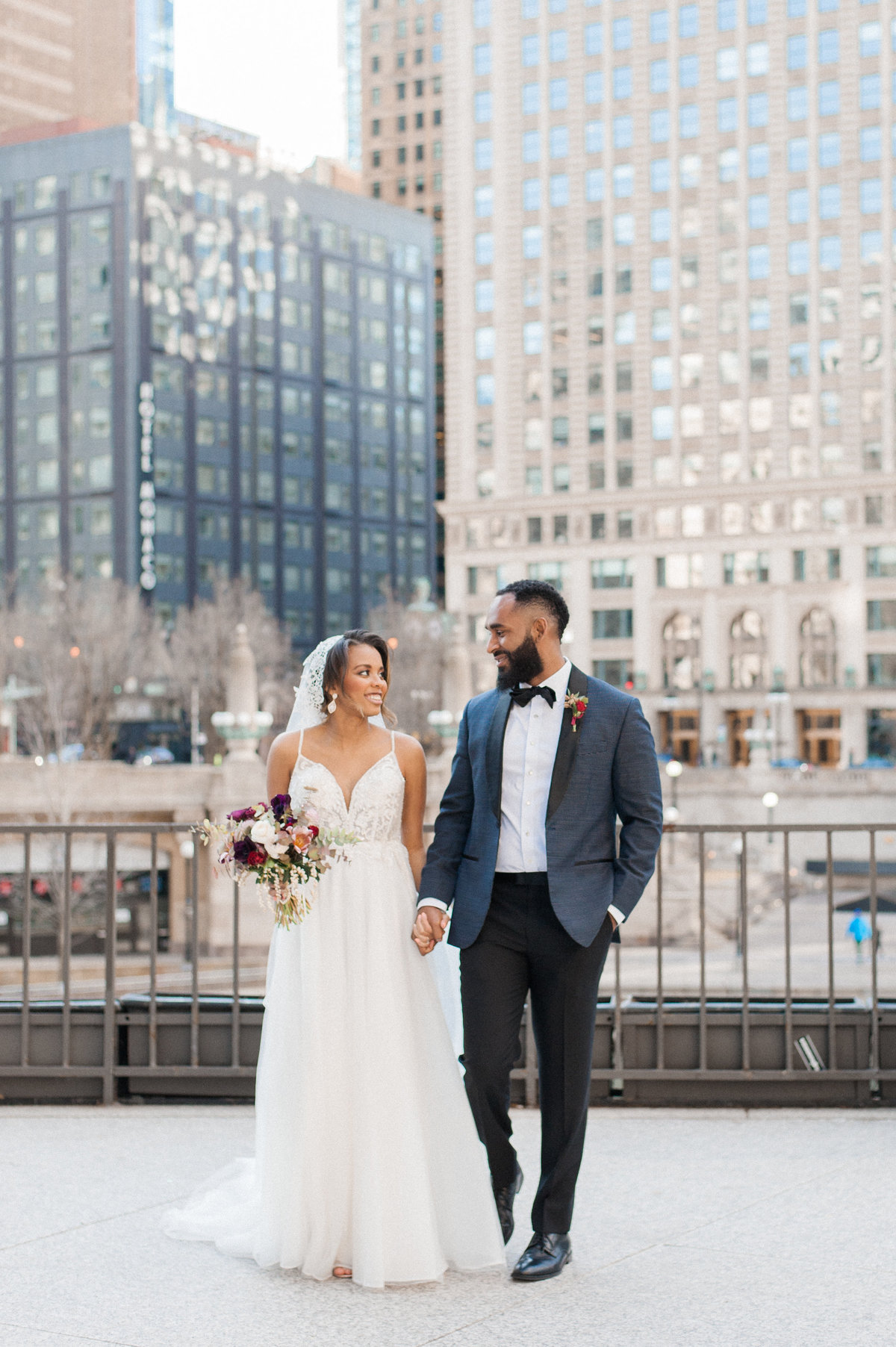 downtown-chicago-brunch-wedding-photo