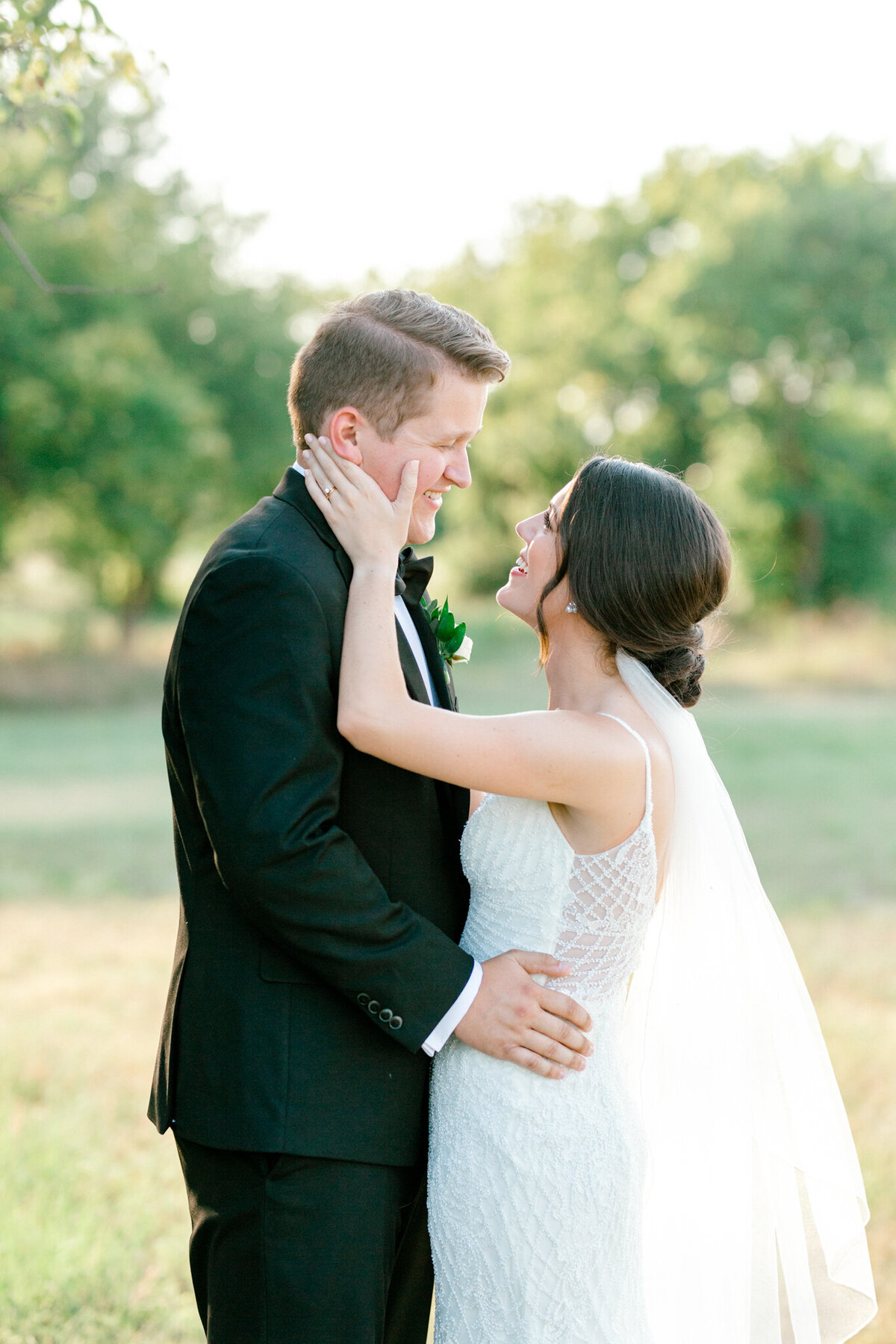 Anna & Billy's Wedding at The Nest at Ruth Farms | Dallas Wedding Photographer | Sami Kathryn Photography-170