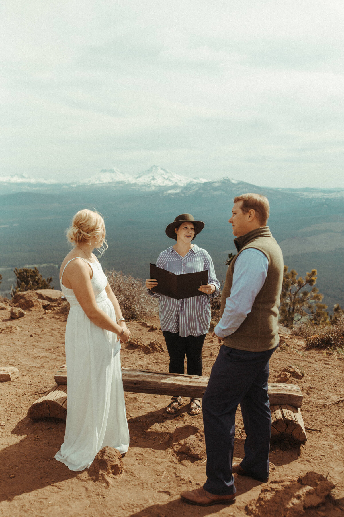 Bend-Oregon-Elopement-photographer-R&C-314