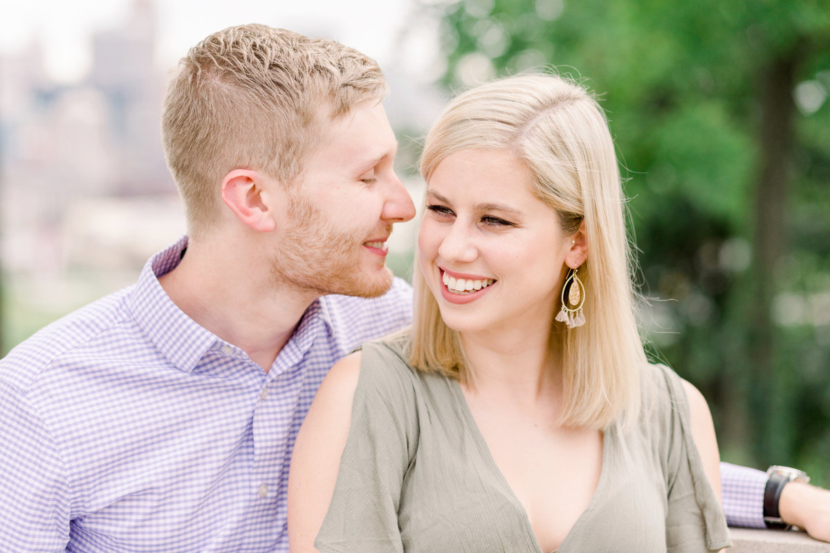 Cincinnati-engagement-wedding-photographer-eden-park-art-museum-smale-riverfront001