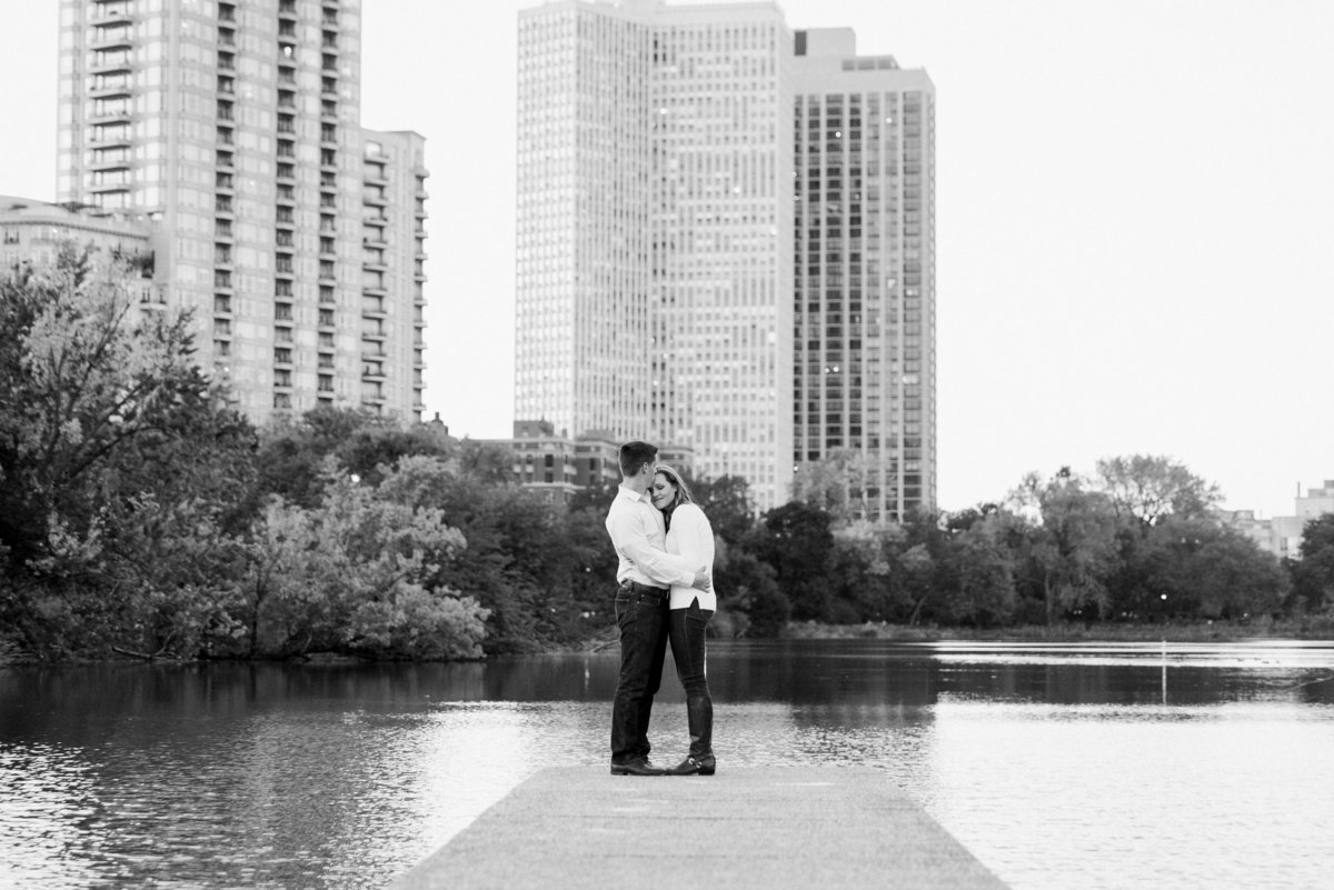lincoln-park-engagement-chicago-the-paper-elephant-0033