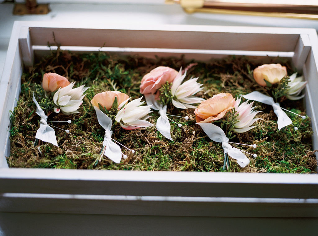 boutonnieres Greenville Country Club florist A Styled Fete Delaware wedding