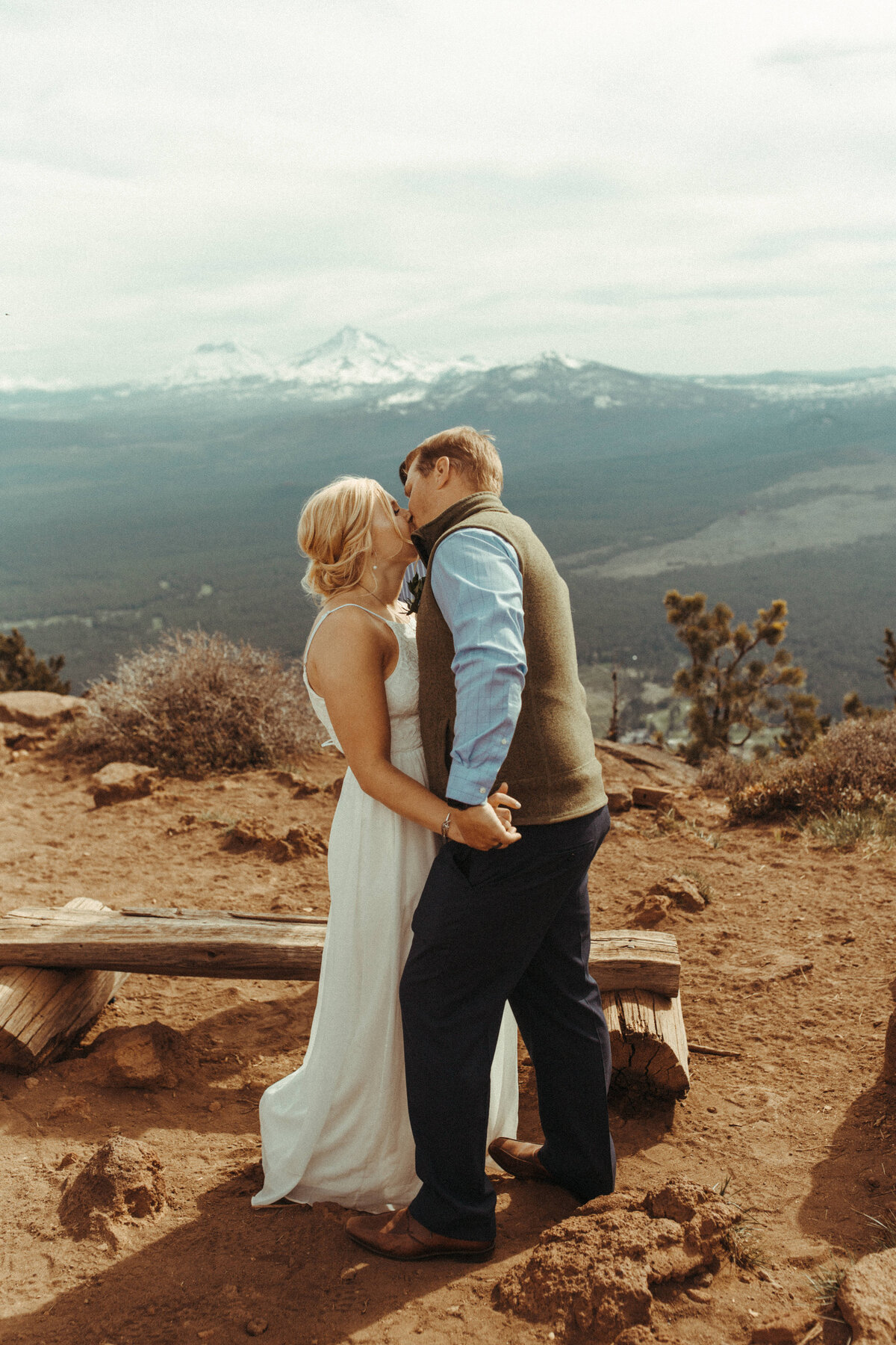 Bend-Oregon-Elopement-photographer-R&C-342