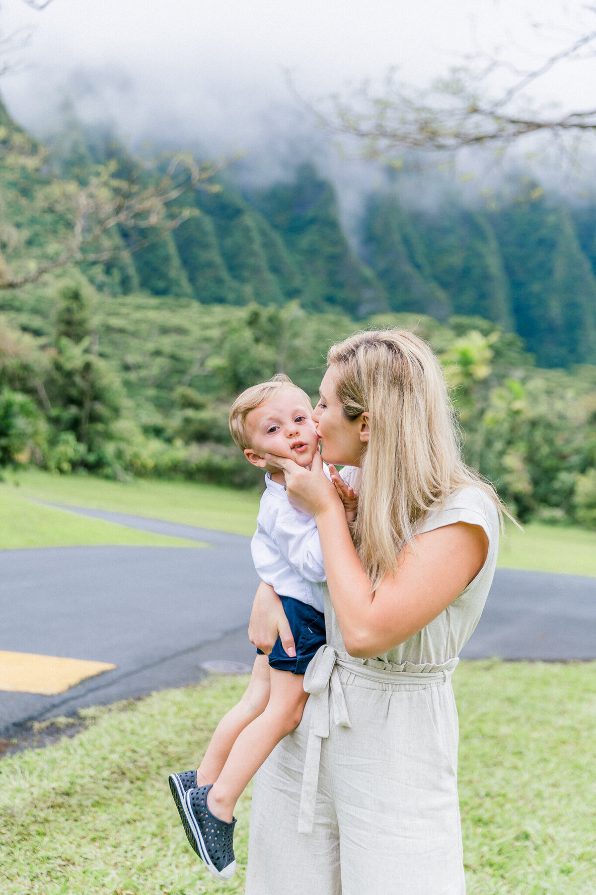 Blog-hoomaluhia family session by hawaii family photographer veronica ilioi photography-0036