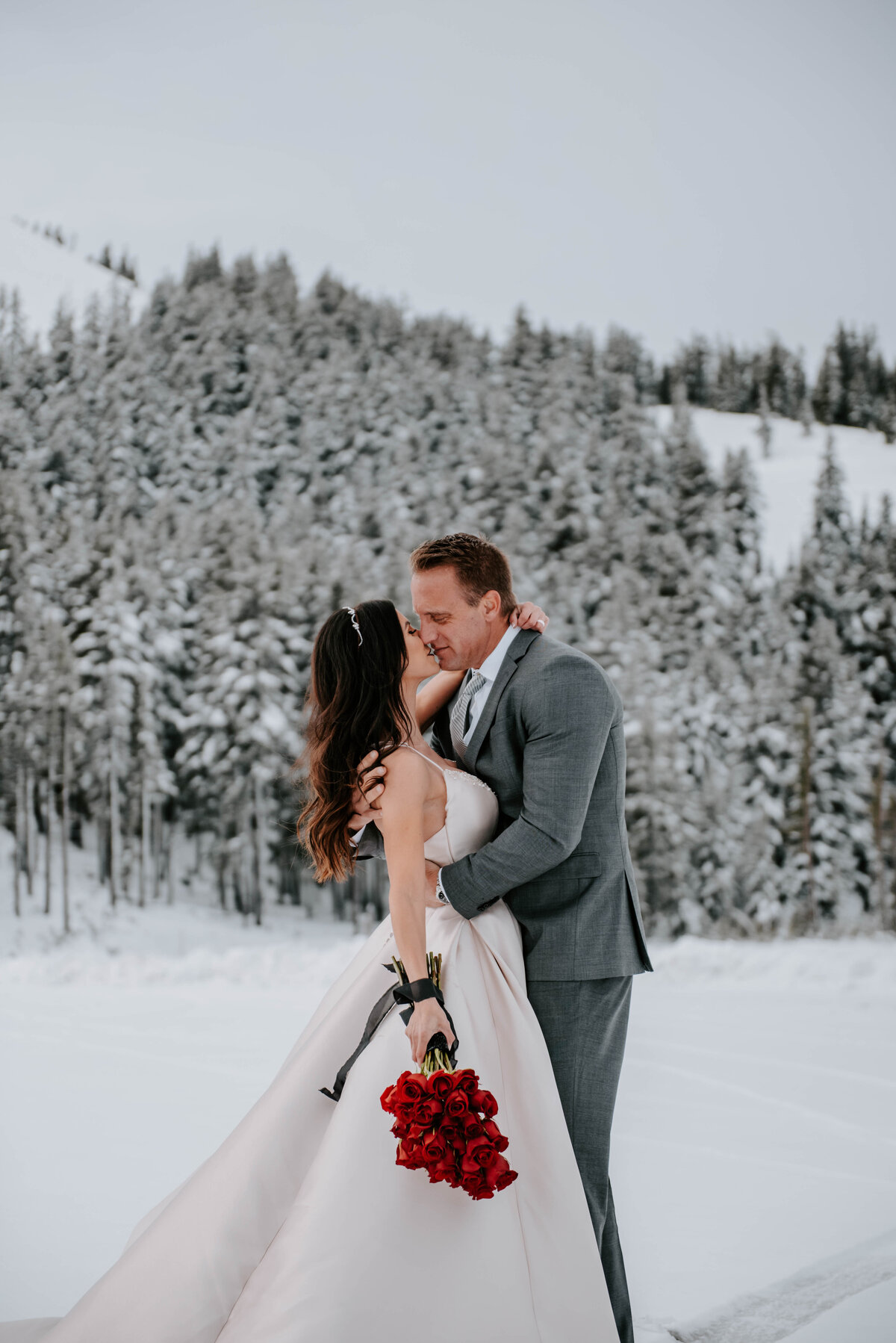 mt-bachelor-snow-winter-elopement-bend-oregon-wedding-photographer-2038