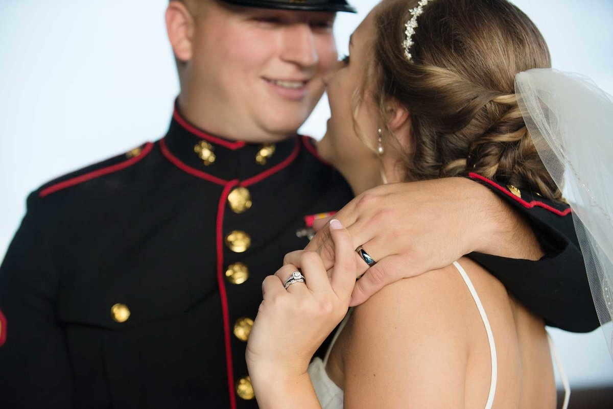 janddstudio-wedding-brideandgroom-outdoor-photography-rings-military