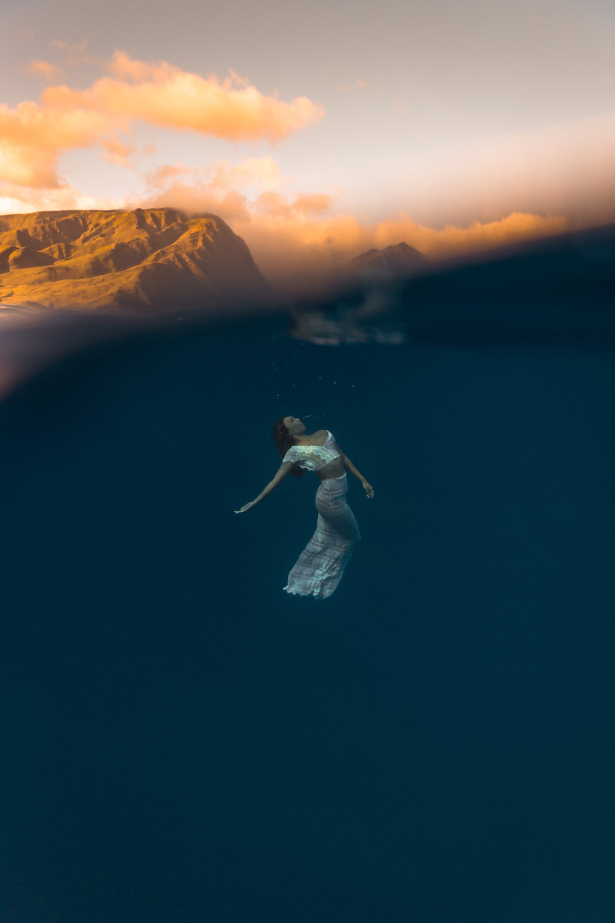 Underwater Trash the Dress Portraits-9