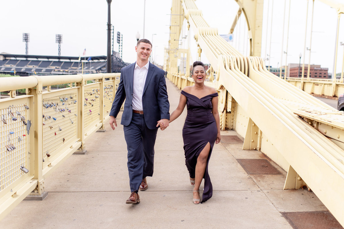 DowntownPittsburghPAWeddingEngagementPhotography2-14