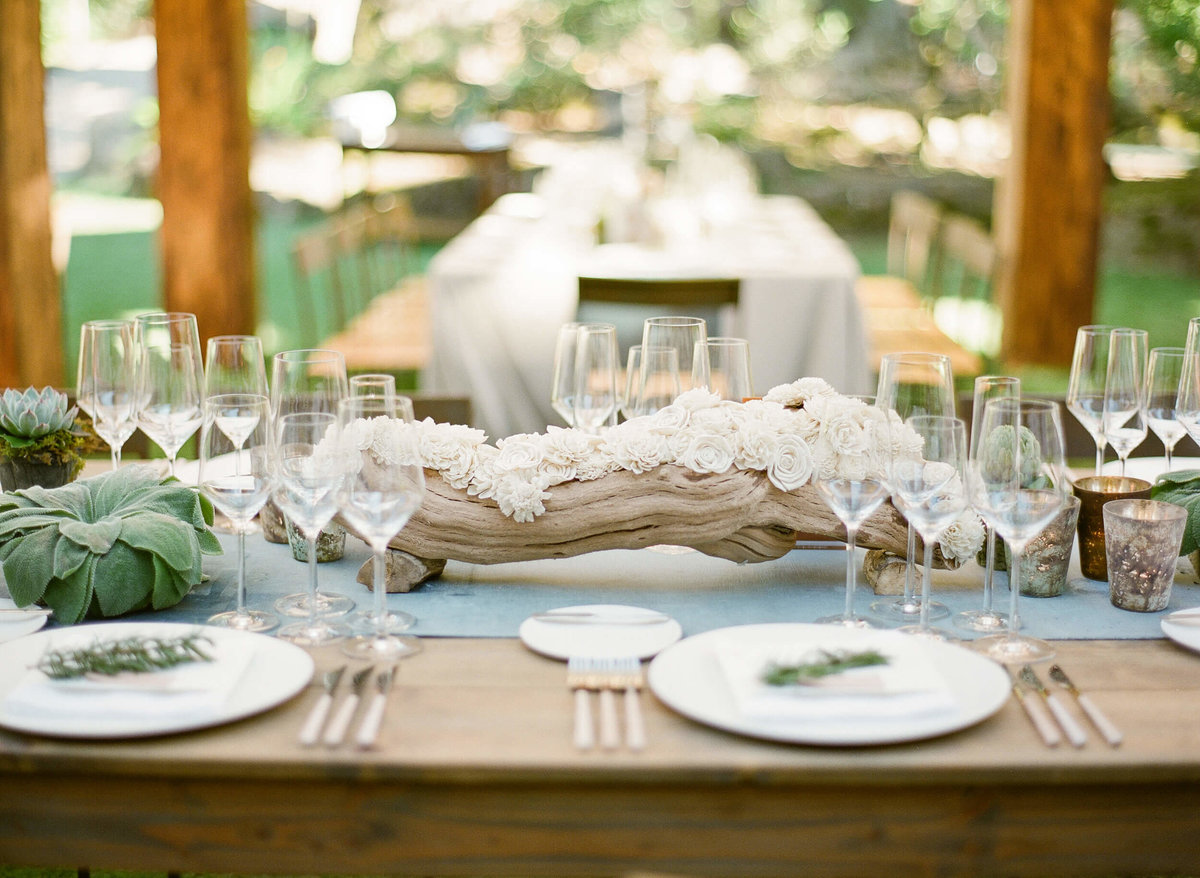 51-KTMerry-wedding-reception-CasadePerrin-tabletop-NapaValley