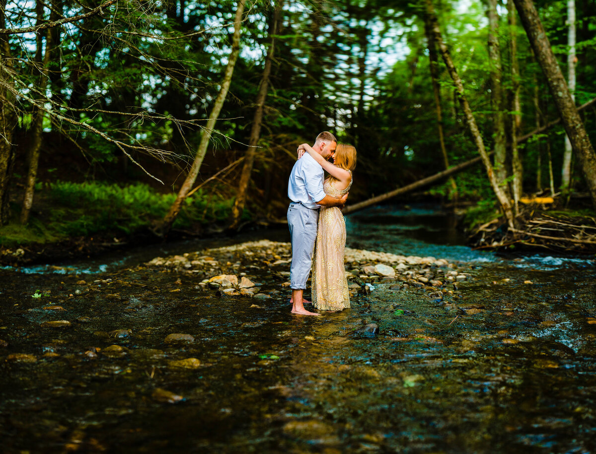 adventurous-engagement-photography-vermont-wedding-photographer-andy-madea-photography