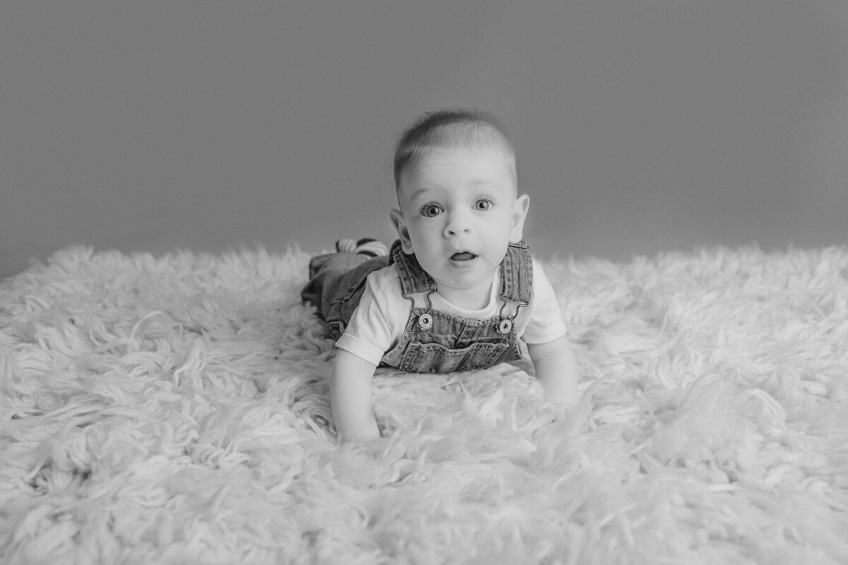 baby-boy-milestone-baby-photo-session-carp-grey-loft-studio-ottawa-5