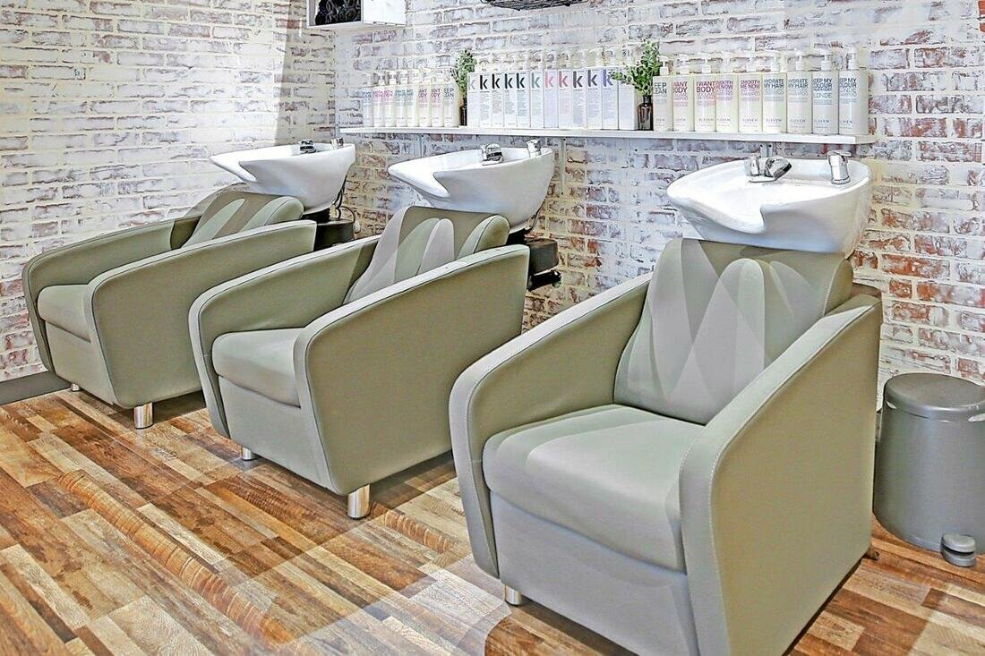 wash salon chairs