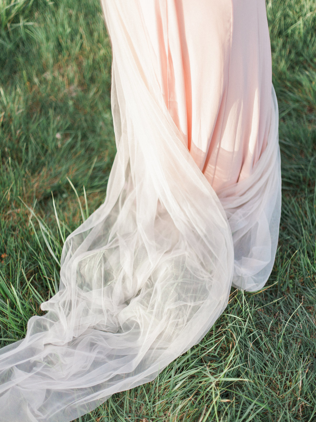 WHEN-SHE-KNEW-PHOTOGRAPHY-ADORN-MAGAZINE-ETHEREAL-BRIDAL-WEDDING-EDITORIAL-OREGON-6