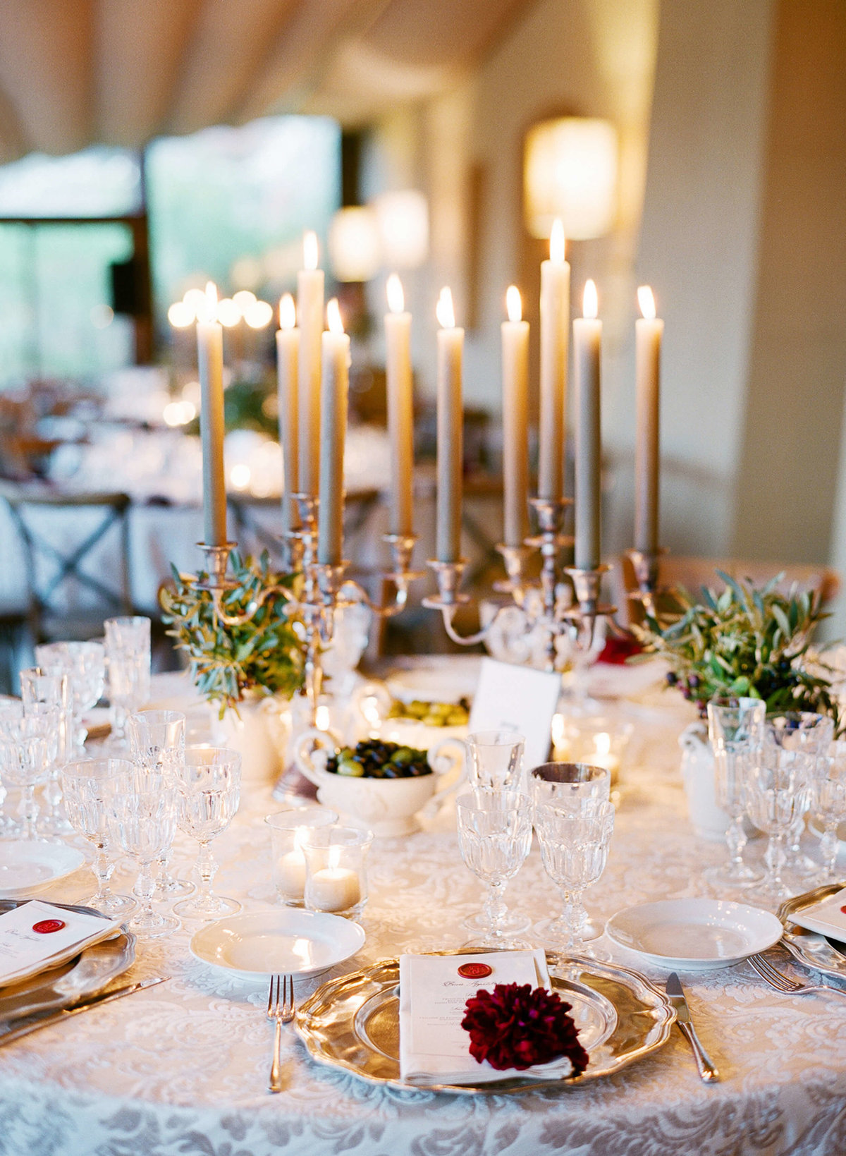 3-KTMerry-weddings-Kate-Upton-place-setting-Tuscany