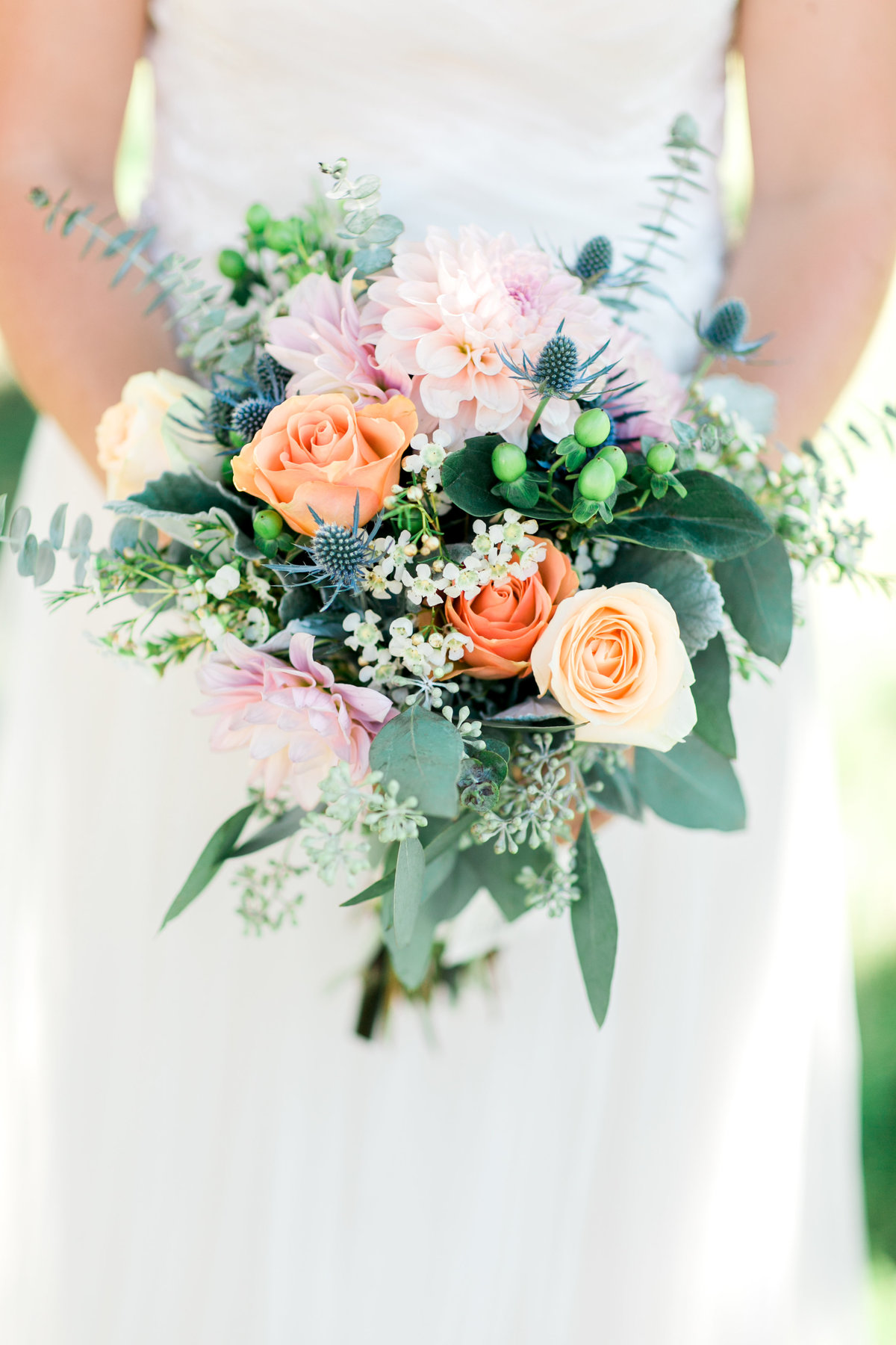 Loose and Organic bridal bouquet