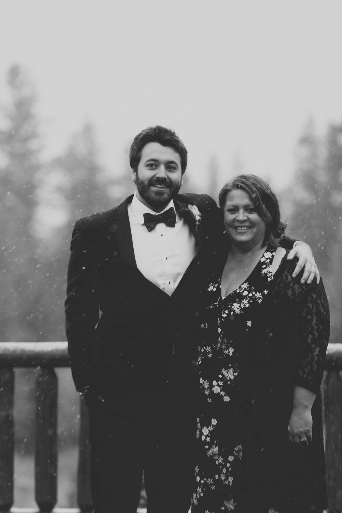 Jennifer_Mooney_Photography_Abbey_Stephen_Fall_Winter_Glacier_Park_Elopement-188