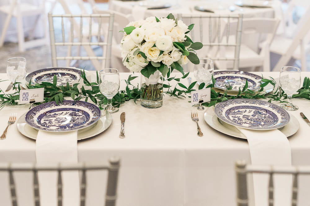 blue-and-white-wedding-details-southern-blue-willow-reception-table-photo