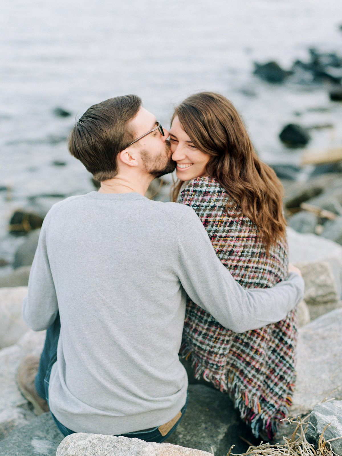 yorktown-beach-engagement-session-photo