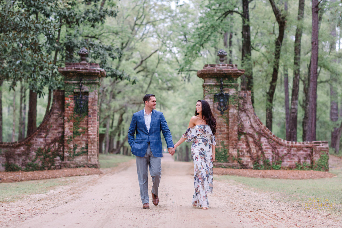 Charleston Engagement Photography | Engagement Pictures in Charleston | Engagement Portraits by Pasha Belman Photographer-27