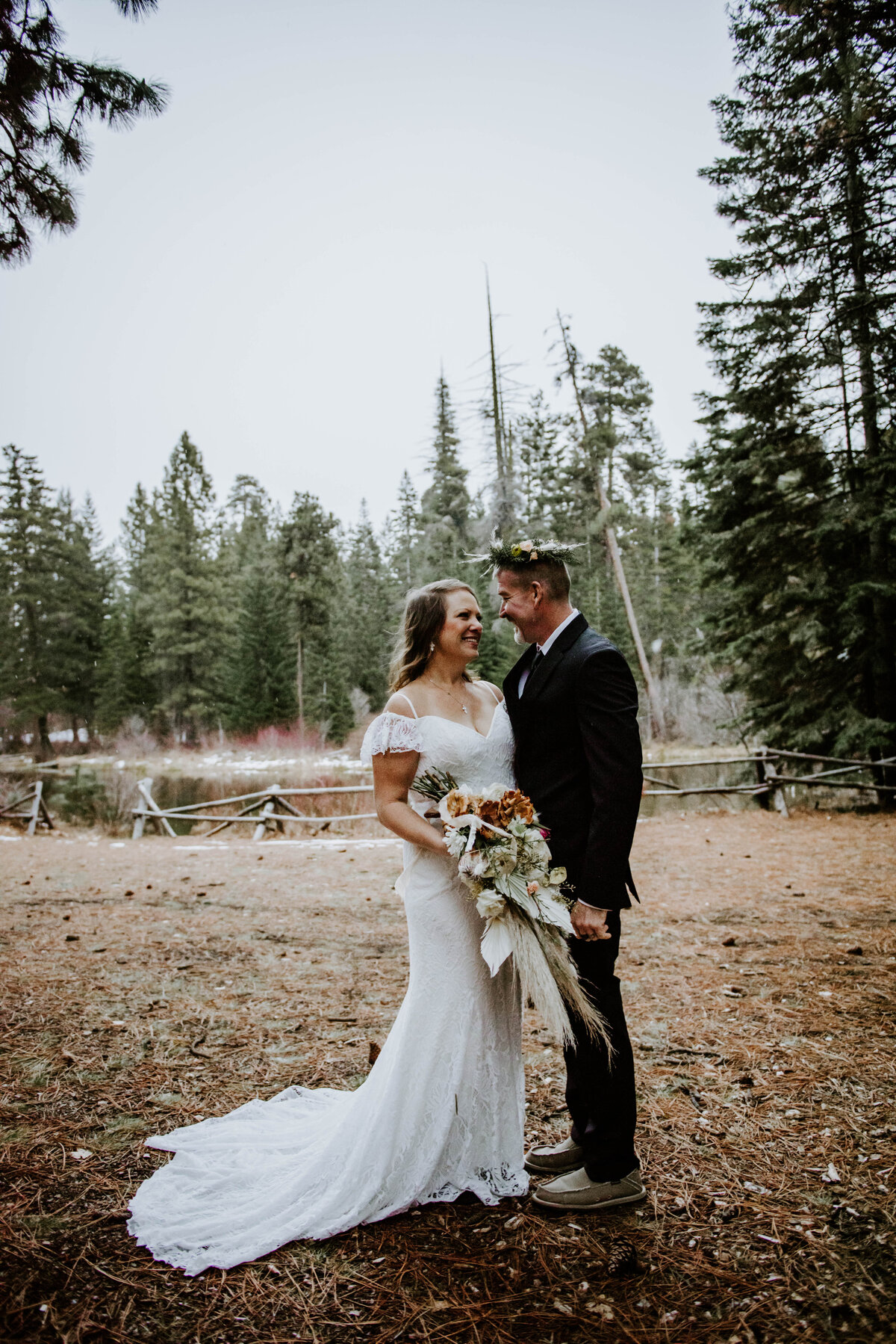 suttle-lake-sisters-oregon-lodge-woods-vow-renewal-photographer-wedding-elopement-3118