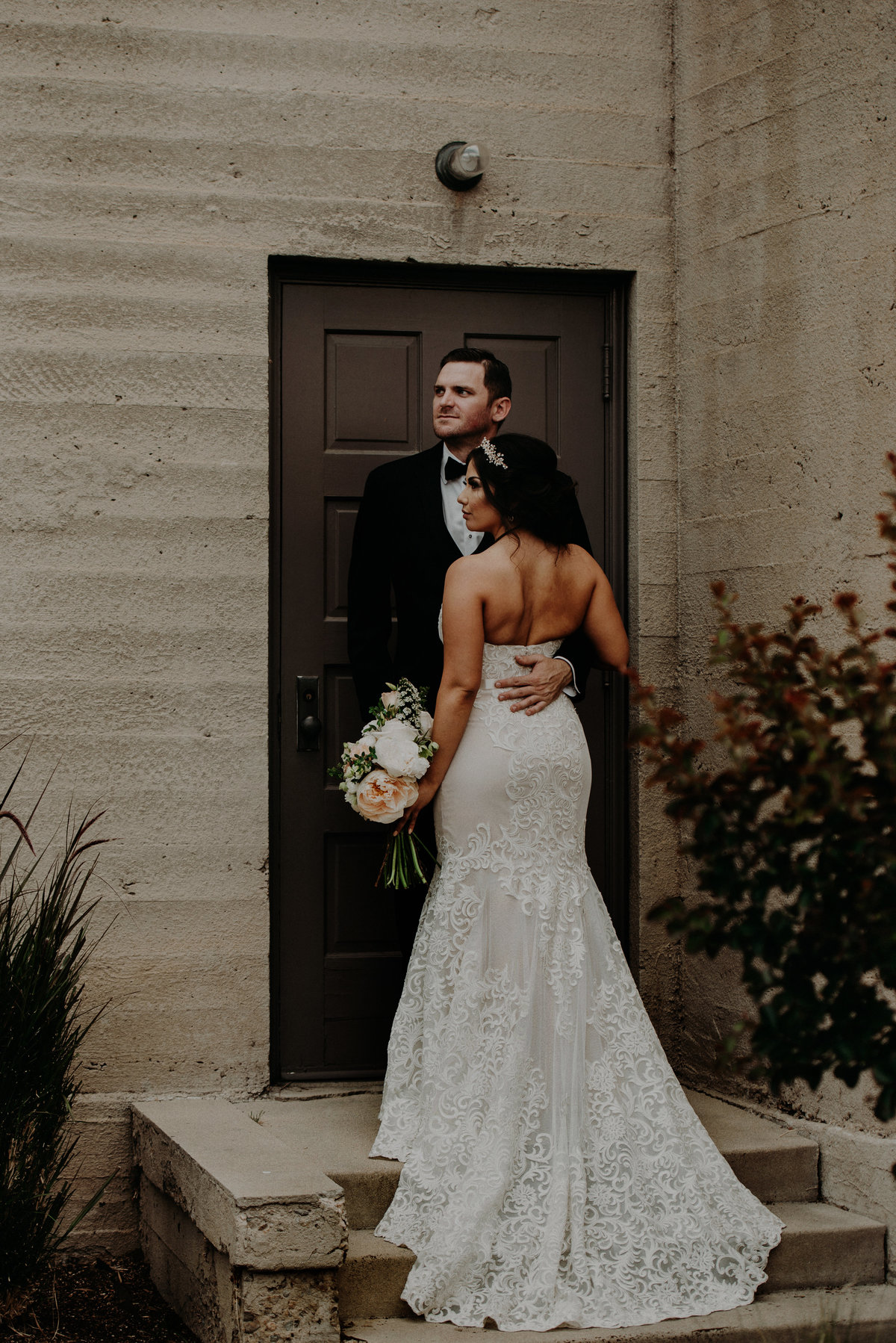 2.FirstLook_BrideGroomPortraits_BakersfieldWedding_NashvilleInspired_RubiZphoto(58of112)
