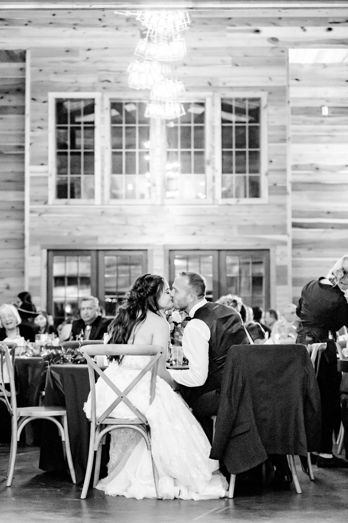 Wedding-at-The-Barn-at-Swallows-Eve-Fry-Dawn-Elizabeth-Studios-0104