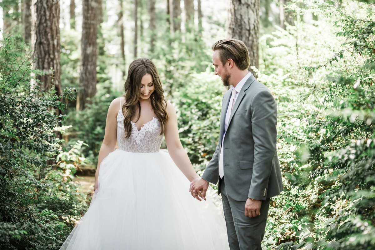 Seattle-Intimate-Backyard-Wedding-Seattle-Wedding-Photographer-11