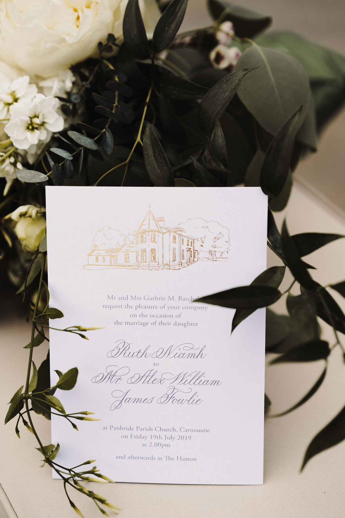 Gold foil venue illustration wedding invitations | Jenni Liandu Calligraphy
