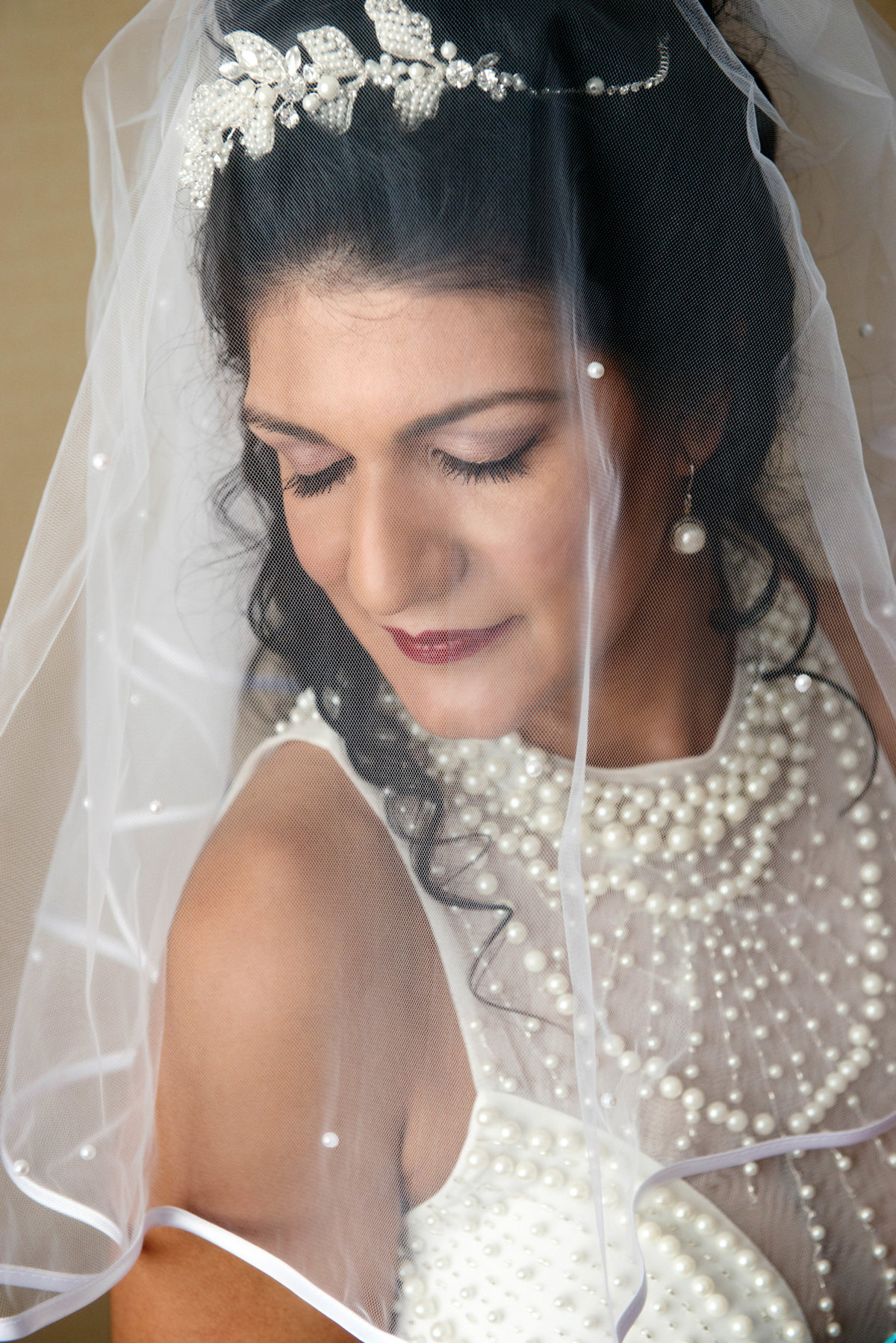 Bridal portrait in veil at hilton garden inn yuma az
