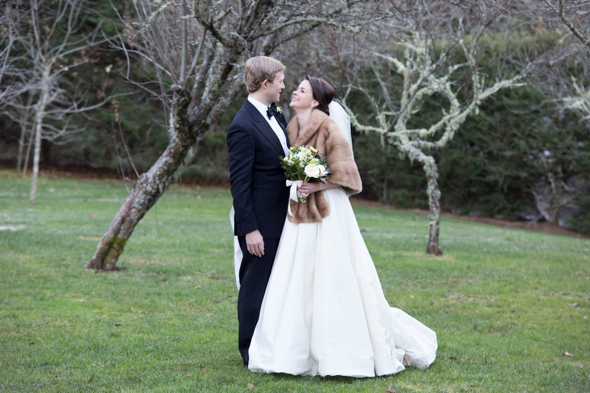 0039_Old-Edwards-Inn-Highlands-NC-Winter-Wedding