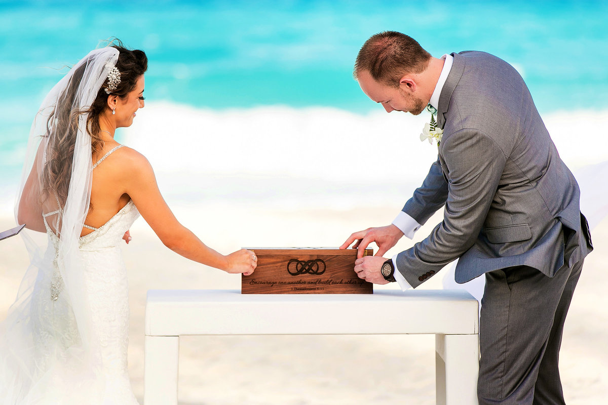048-omni-cancun-hotel-and-villas-wedding-photos-brittney-shawn