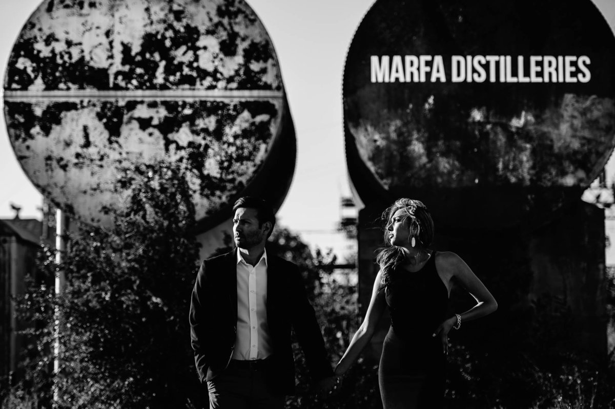 engagement photo in marfa texas by stephane lemaire photography